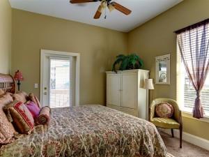 2nd Floor King Size Comfort connects to bathroom Bedroom #4