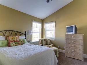3rd Floor Full Size Comfy Bed , Bedroom #7